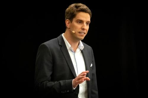 Sebastian Decker-Speaker
