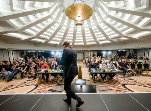 Sebastian Decker-Speaker-Saal